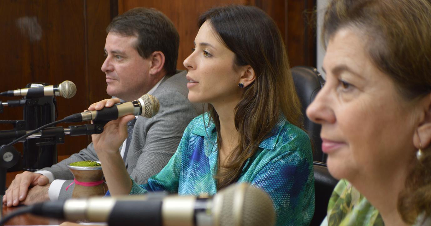 Instalada Frente Parlamentar em Defesa das Mulheres