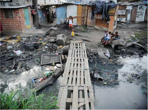 Extrema pobreza aumenta no Brasil e chega a 15,2 milhões de pessoas em 2017