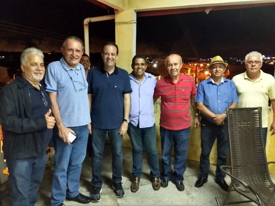 Encerramos a noite em São Cristóvão no Forró do Buraca, com o pré candidato ao governo senador Eduardo Amorim, deputado Andre Moura, o pré candidato a federal J.C. Machado e lid