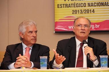 Roberto Freire e Rubens Bueno condenam permanência do ministro do Esporte