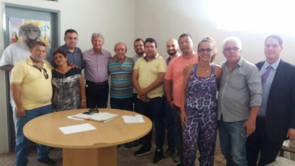 Reuniram-se hoje (31/01 os membros da comissão Executiva Estadual do PPS23 - Partido Popular Socialista Sergipe, para discutir sobre eleições 2018, quando na oportunidade ficou del