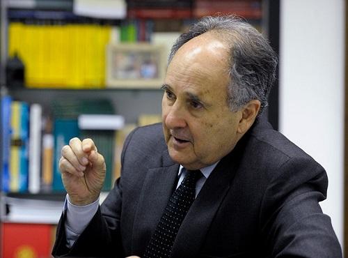 Cristovam Buarque diz que participação do Estado na economia é um modelo esgotado