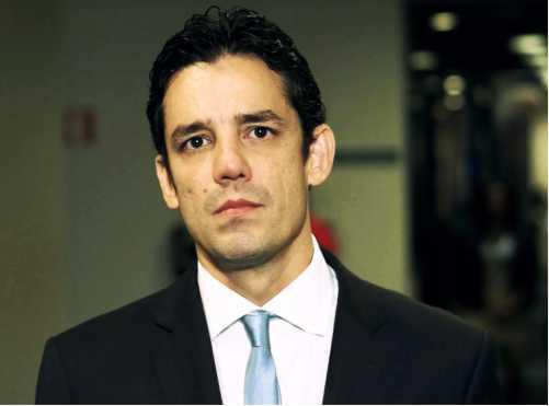 Daniel Coelho critica aumento de impostos em PE