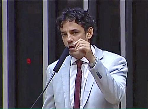 Líder do PPS na Câmara diz que governo precisa buscar votos inclusive fora da base aliada