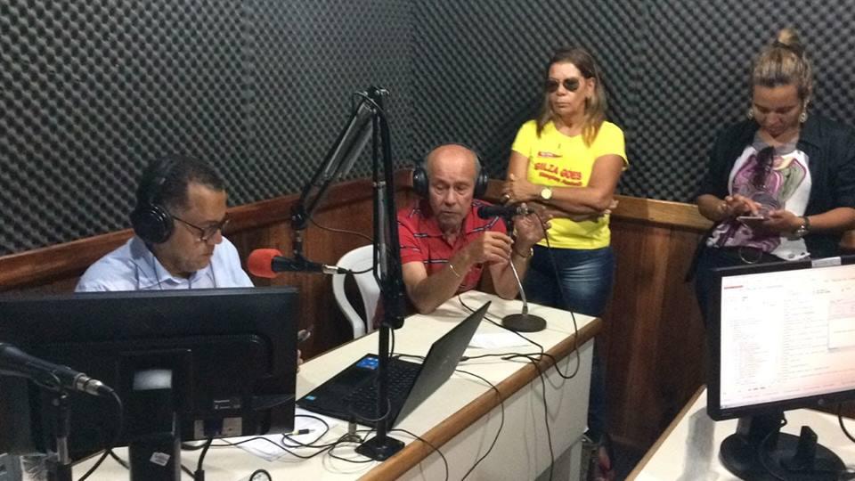 Concedendo entrevista a Radio Esperança em Estancia, falado sobre os objetivos do projeto pé na estrada do PPS23 - Partido Popular Socialista Sergipe
