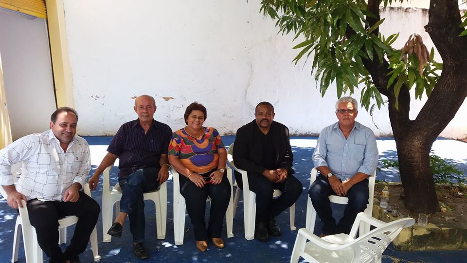 Recebi na Mangueira o PPS23 - Partido Popular Socialista Sergipe, as visitas da ex prefeita de Itaporanga Gracinha Garcez, Junior Garcez, Dr. Kleber Nascimento , conversamos sobre