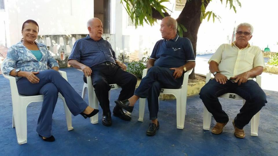 Teve a honra de receber o ex governador Albano Franco e Miriam Ribeira, na Mangueira do PPS. Na oportunidade, convidamos Miriam Ribeiro para junta-se a nos