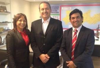 Eliziane é recebida por Eduardo Campos e conhece modelo de gestão pernambucano